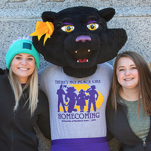 UNI students with TK at Homecoming